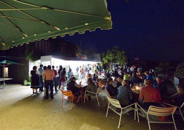2013, Hoffest bei Nacht